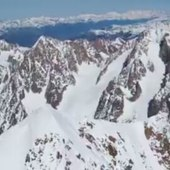 @aurelienducroz skie sur l' Atlantique 😱. #specksports #movementskis #transatjacquesvabre2019 #montagneetmer #skinautique #freerideski