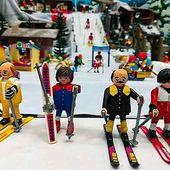 """Vous les reconnaissez ? C'est l'oeuvre d'une artiste pyrénéenne, Jana Wolf. Elle a décidé de recréer les personnages et les lieux du film """"Les bronzés font du ski"""" en Playmobil ! Elle a ainsi reproduit une scène du célèbre film, qui a fêté ses 40 ans en 2019 et a marqué de nombreuses générations, avec des figurines de la fameuses marque allemande de jouets ! 😄❄️🎿 . #Specksports #lesbronzesfontduski #montagne #pyrénées #alsace"""