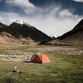 Une tente Copper Spur @bigagnes_ de chez @speck_sports lors d'un trek au Ladakh effectué par @tripinwild .#tripinwild #ladakh #inde #bivouac #bigagnes #trek #specksports