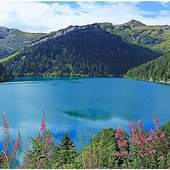 Un petit tour dans le Beaufortain ? Le lac du barrage de St Guérin #beaufortain #savoie #beaufort #arechesbeaufort #randonnee #trail #trek #grp #specksports